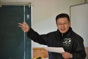 守重事務局長によるNPOの活動の説明